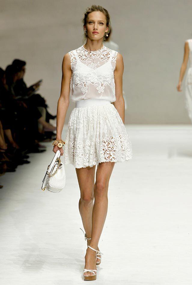 Белые летние платья